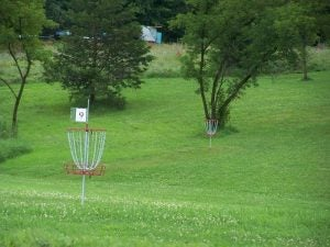 Campgrounds with disc golf courses: Apple River Family Campground, WI