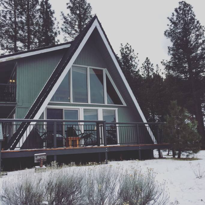 a-frame cabin in Weed, California
