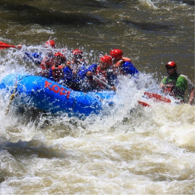 This adventure awaits you when choosing the best campgrounds near rafting!