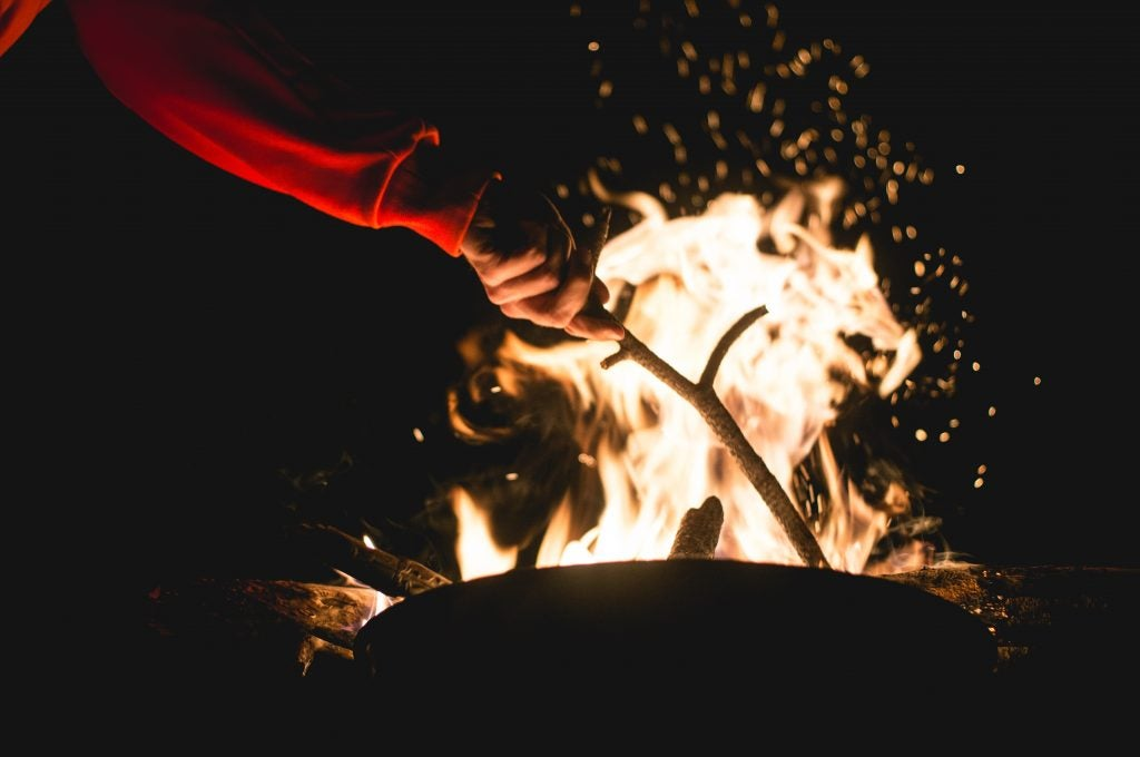 make popcorn over the campfire