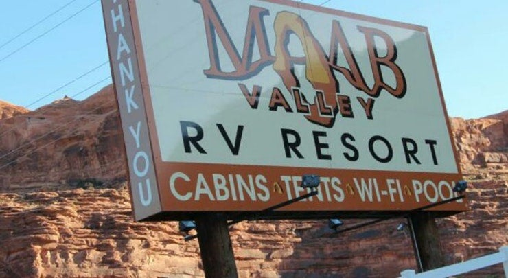 sign for moab valley rv campground near arches national park