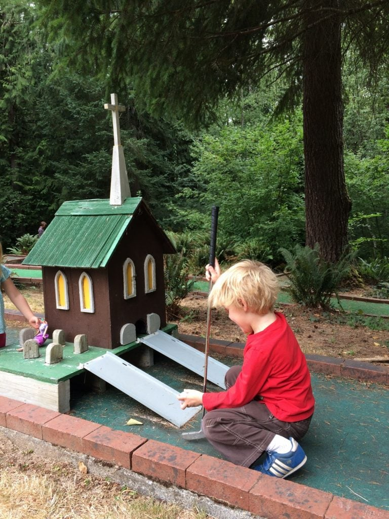 Pacific Northwest Campgrounds with mini golf