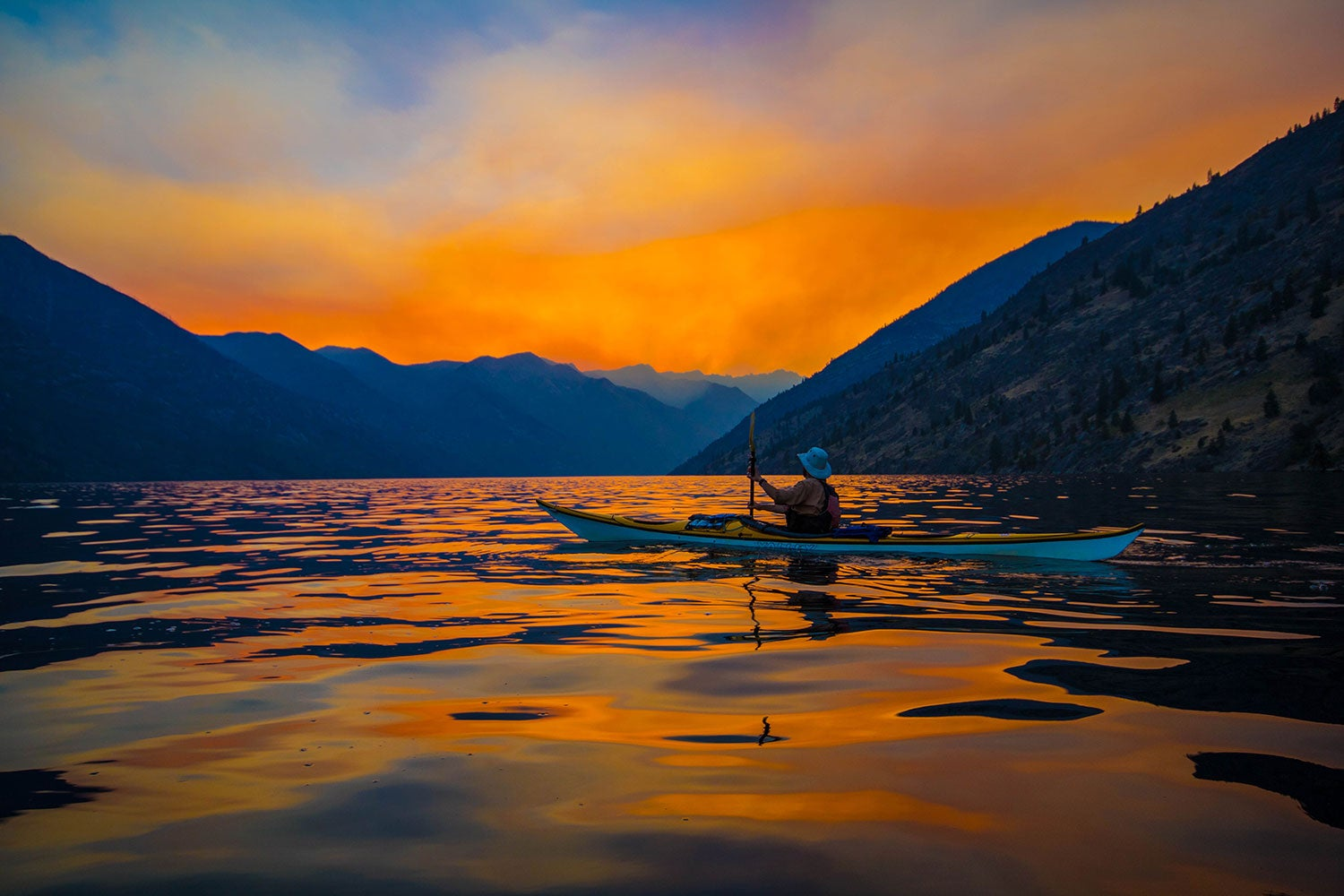 sea kayak camping on lake chelan