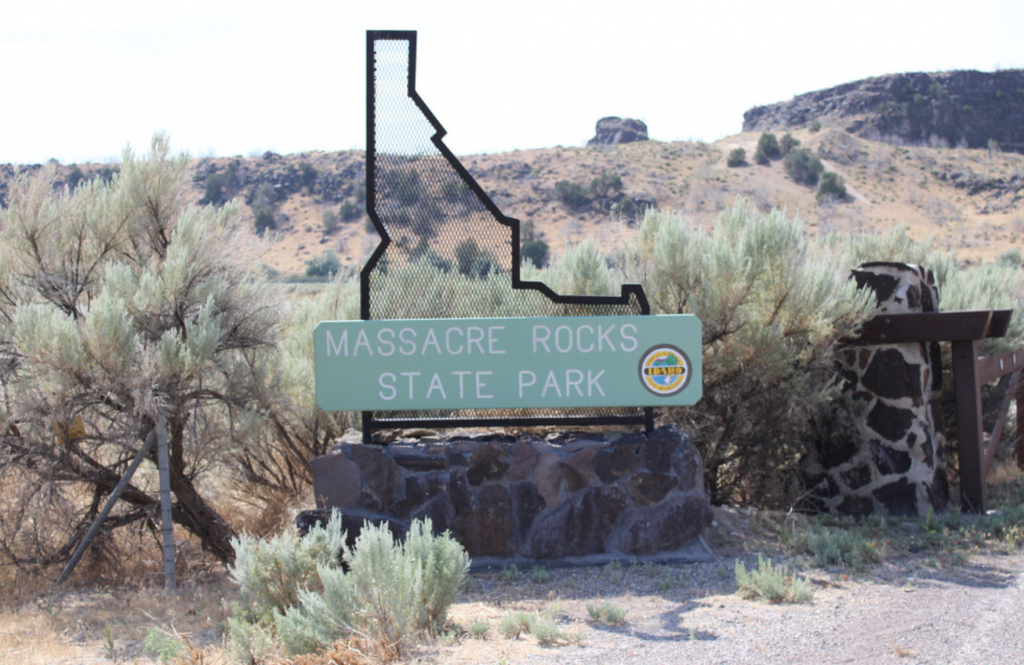 massacre rocks state park off of the oregon trail