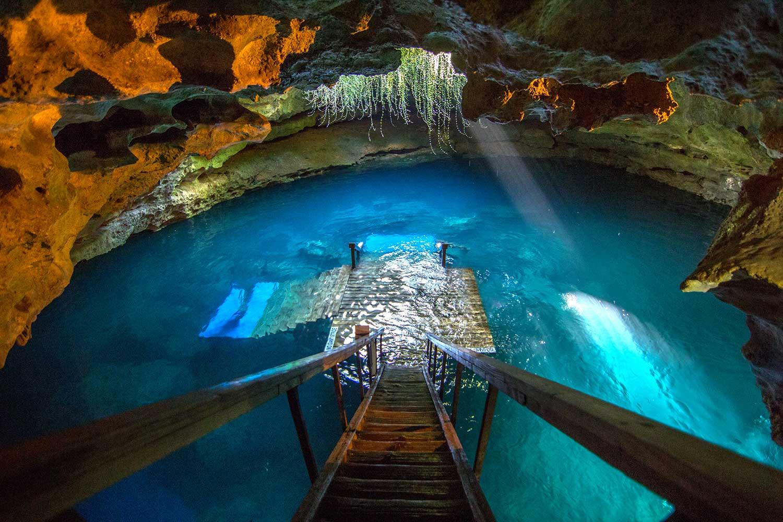 ancient sinkhole in the Devil's Den, Florida