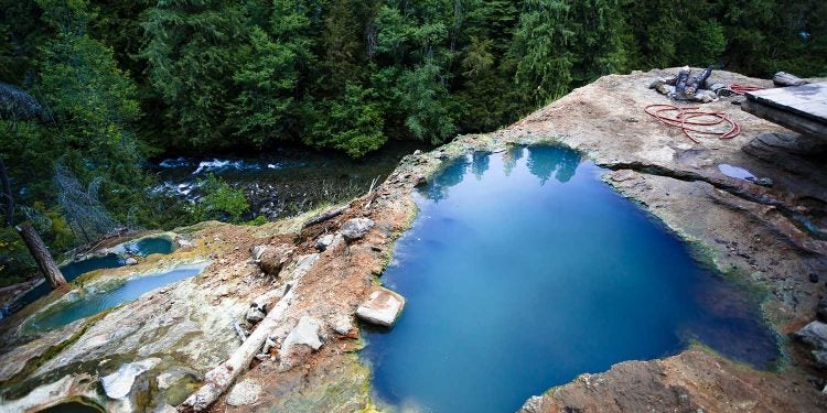 umpqua hot springs from above