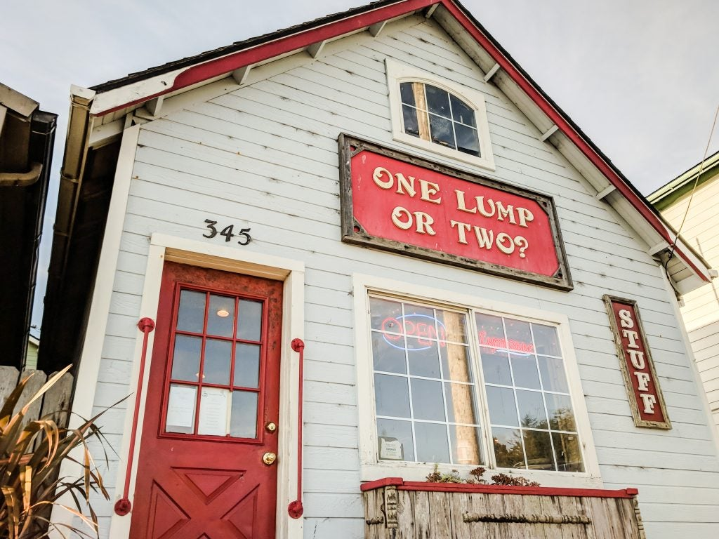 One Lump or Two cafe along the Oregon Coast Trail