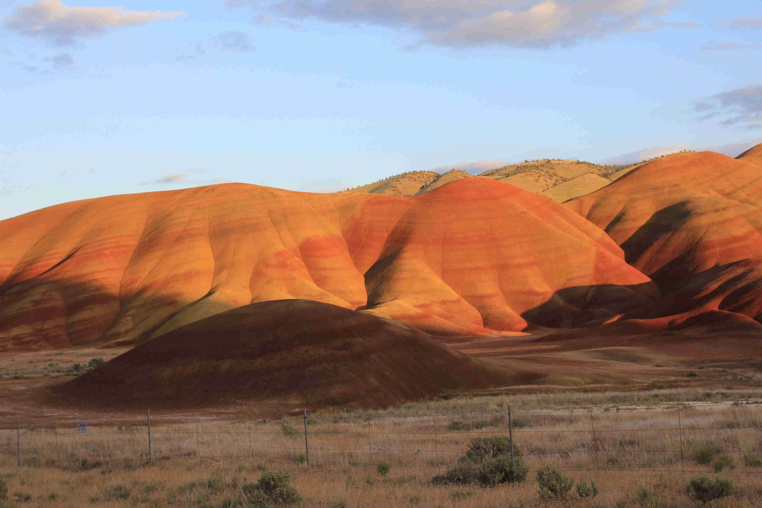 the soft rolling painted hills in central oregon