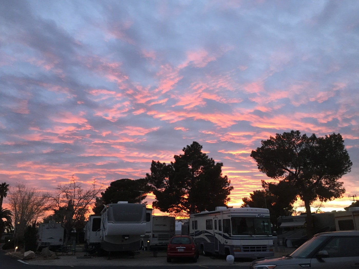 9 las vegas rv parks where you 39 ll hit the camping jackpot. Black Bedroom Furniture Sets. Home Design Ideas