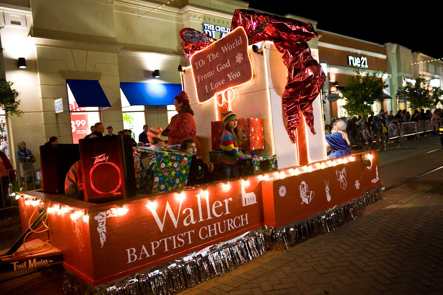 waller baptist church float in nachitoches christmas parade