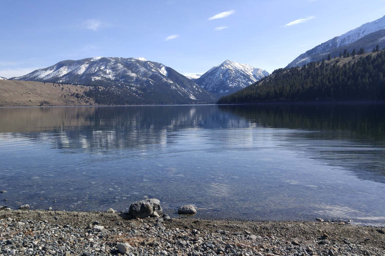 the wallowa mountains with the long wallowa lake beneath them