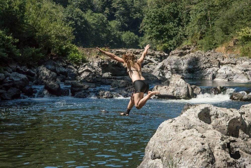 jumping of the rocks at nehalem falls