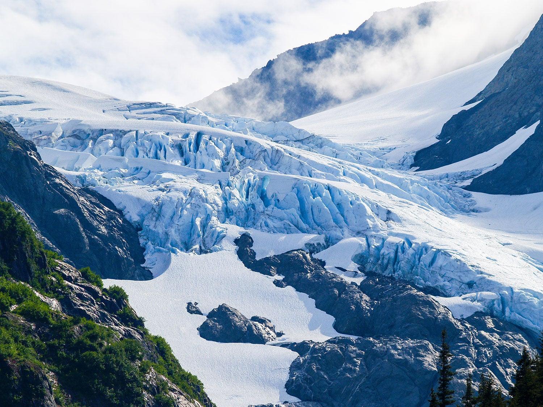 glacier covered mountain near chugach state park