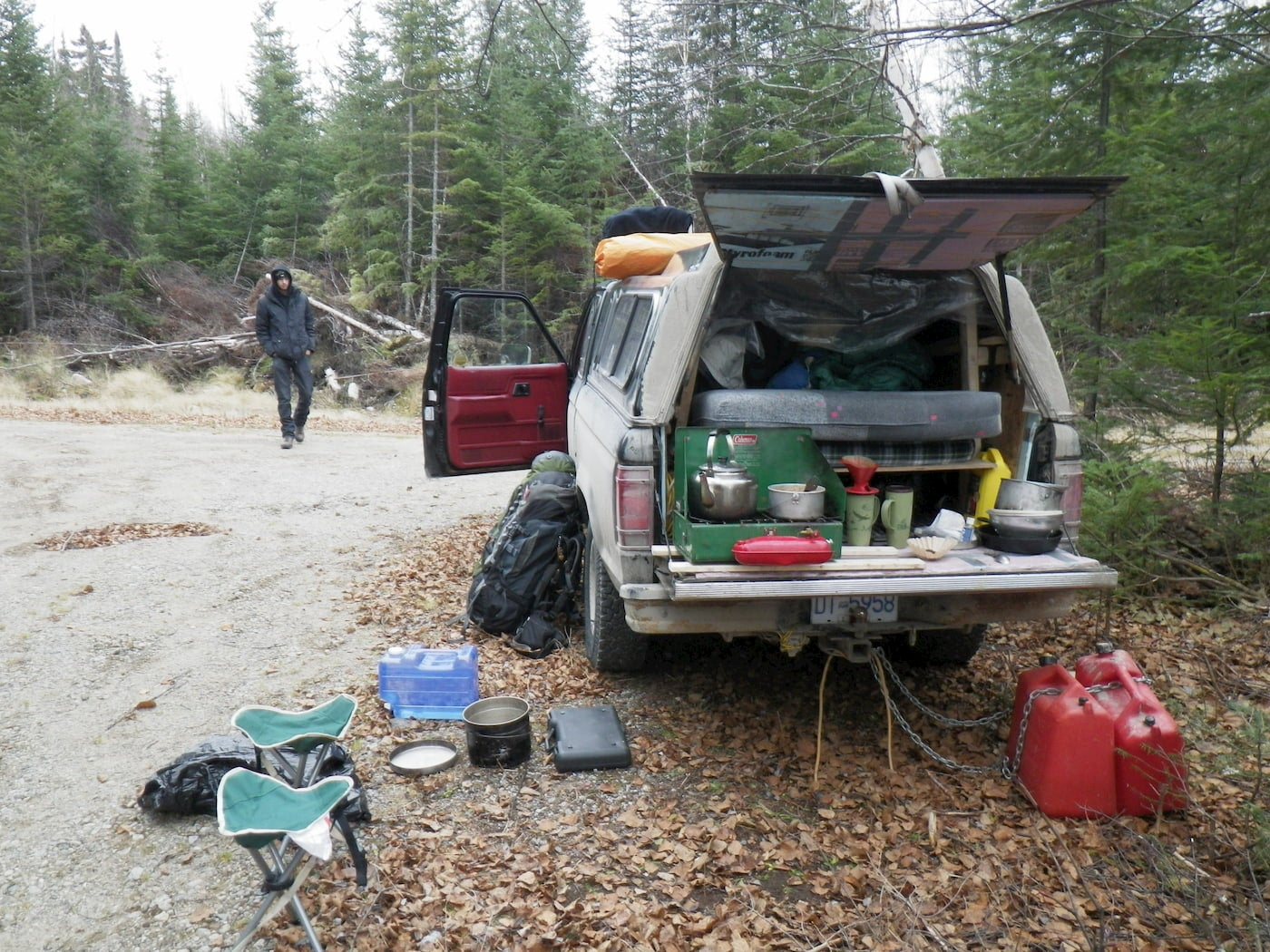 Build out bed and stove in the back of a car camper conversion
