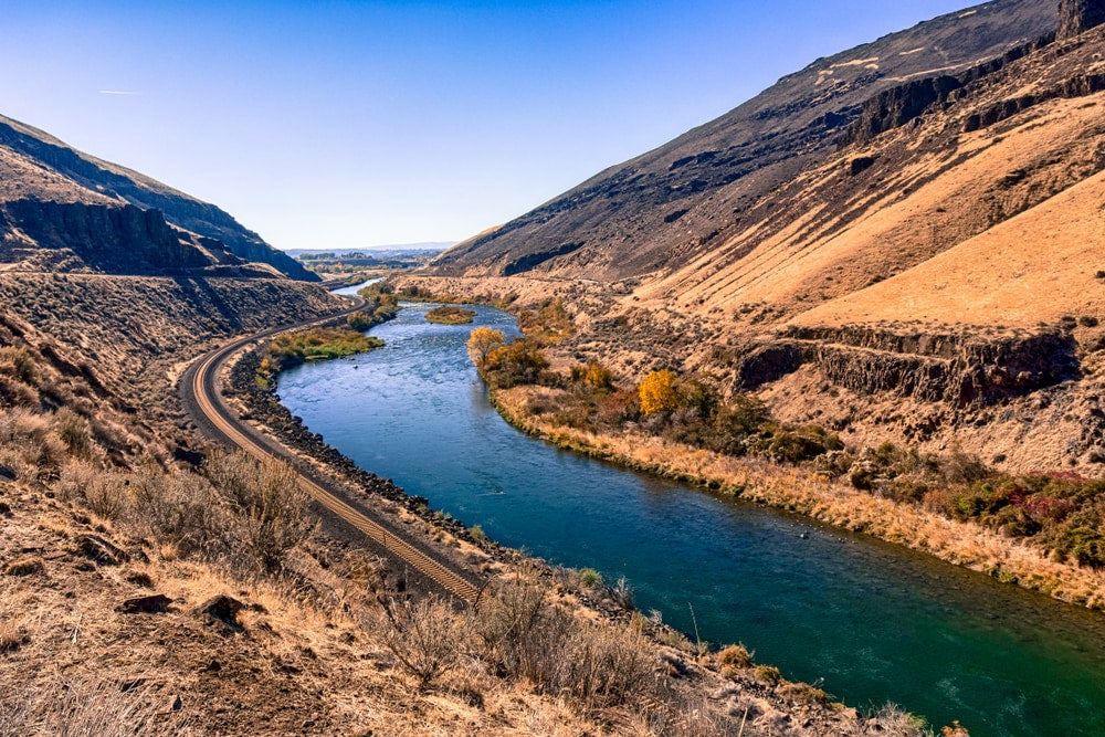 Yakima river winding through mountains.