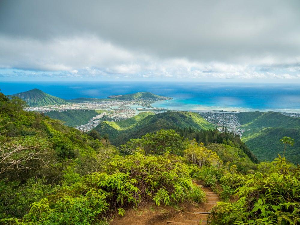 the peak of the kuliouou ridge trail north of honolulu hawaii