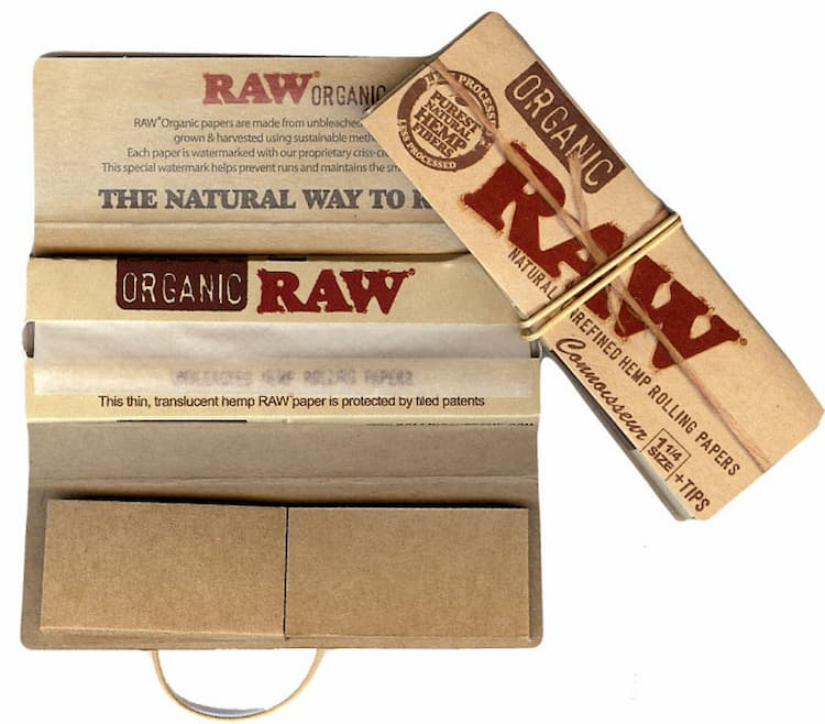 a pack of raw organic filters