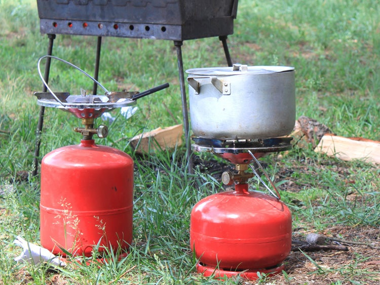 camp stoves with fuel cans