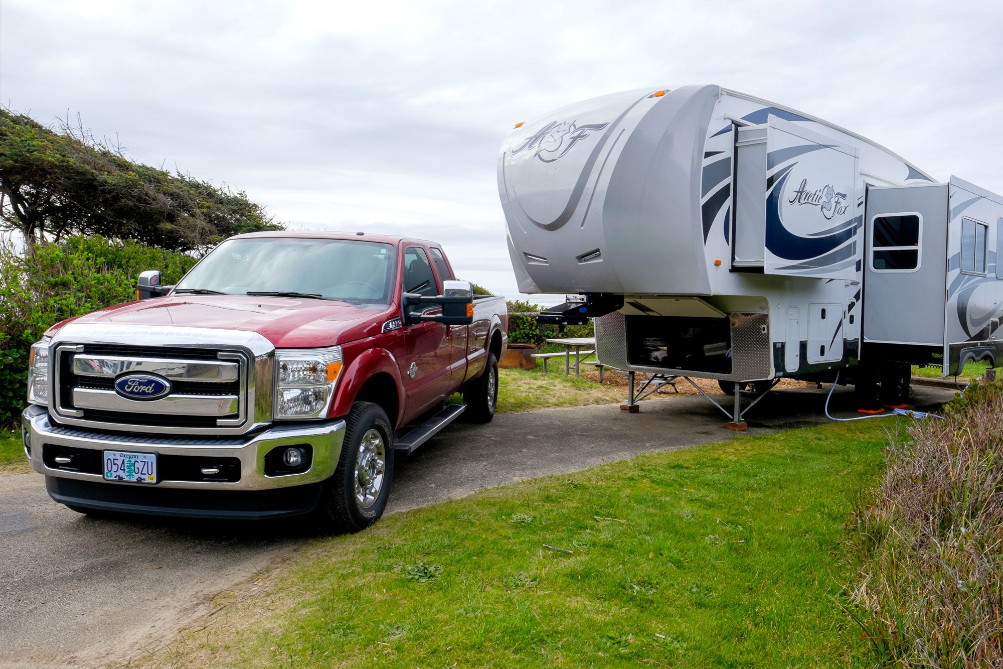 truck with 5th wheel trailer