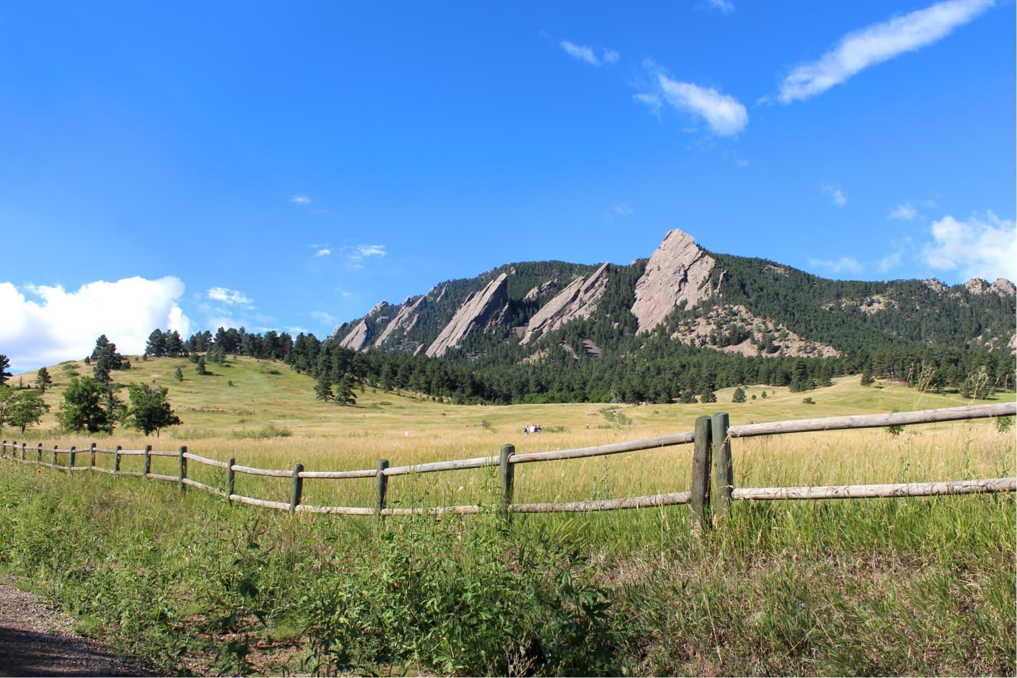 Colorado's flatiron mountains in boulder