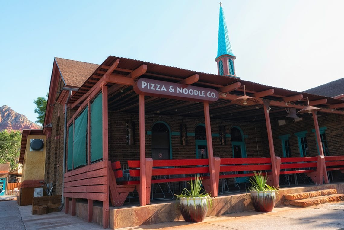 zion pizza and noodle restaurant near zion national park