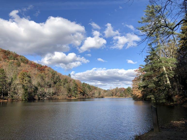 lake trahlyta at vogel state park