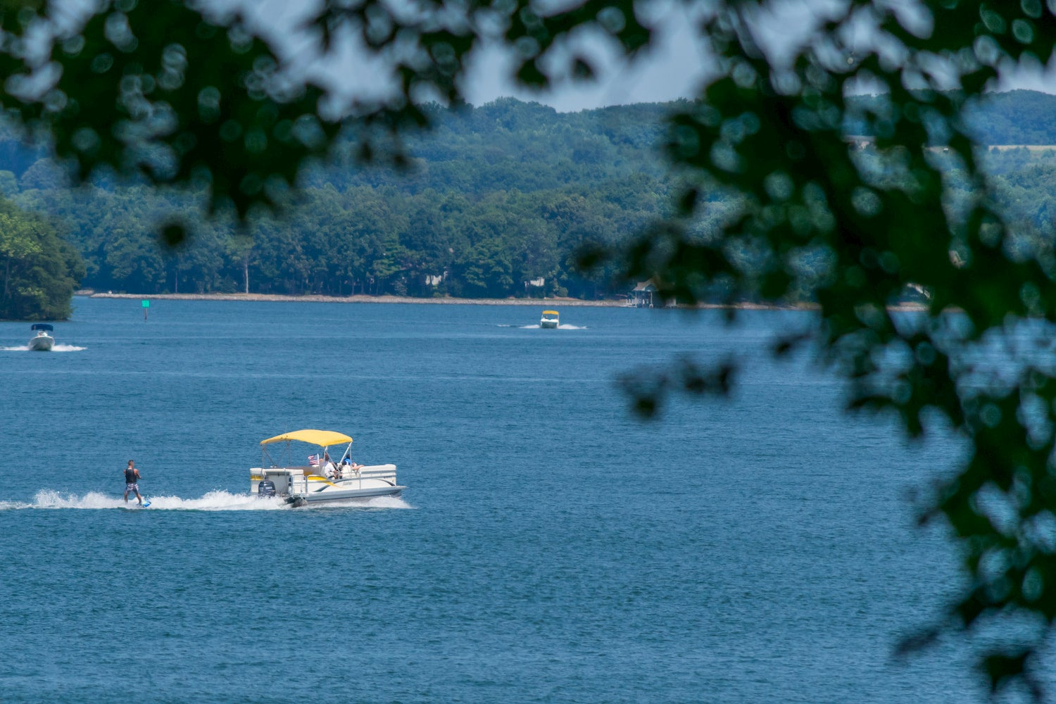 waterskiing at smith mountain lake