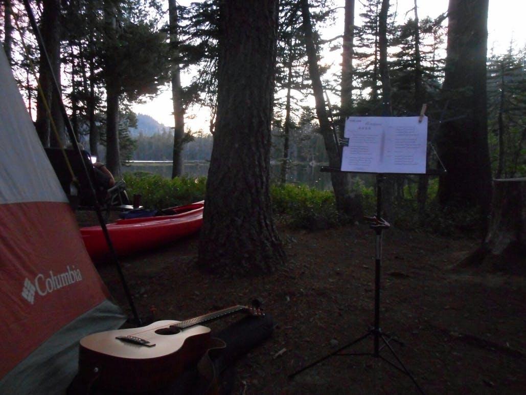 tent and guitar at goose lake campground