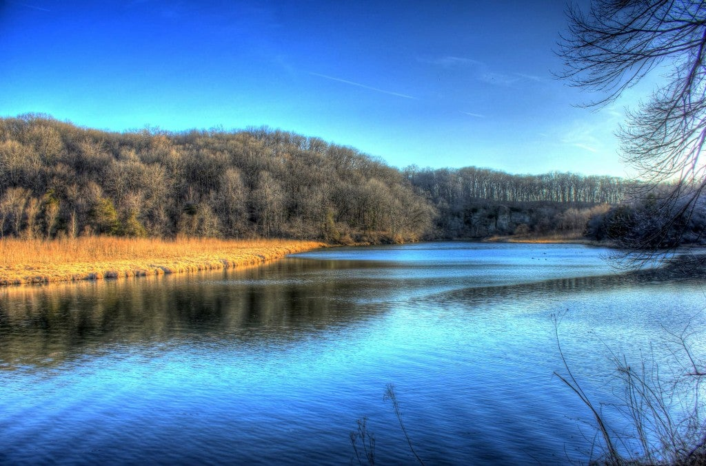 river bend at backbone state park