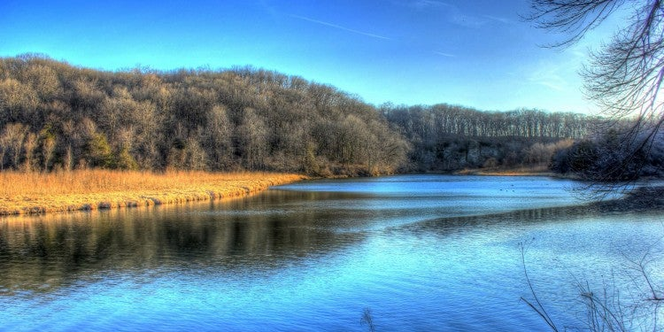 river bend at backbone state park