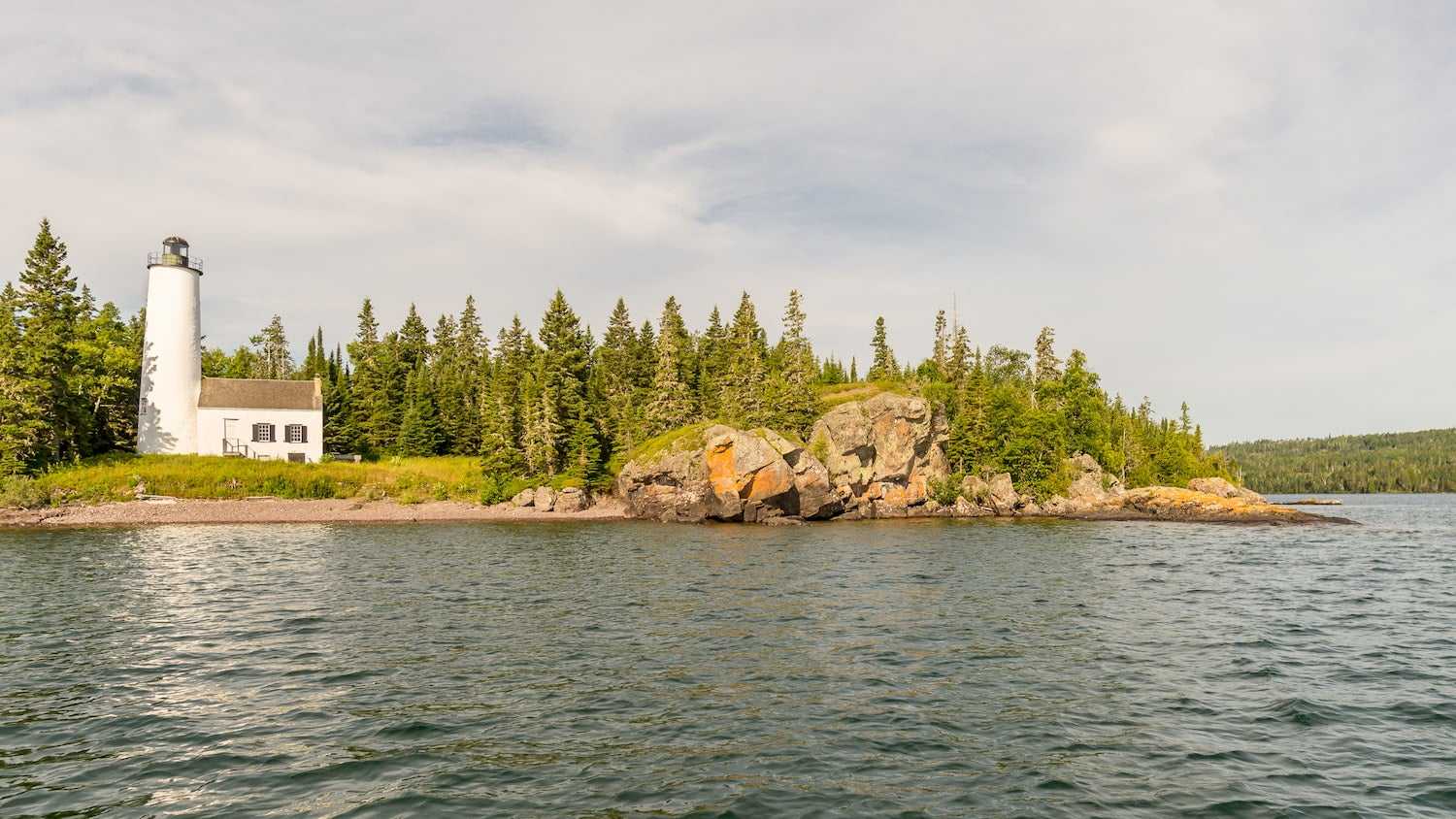 rock harbor lighthouse in isle royale national park