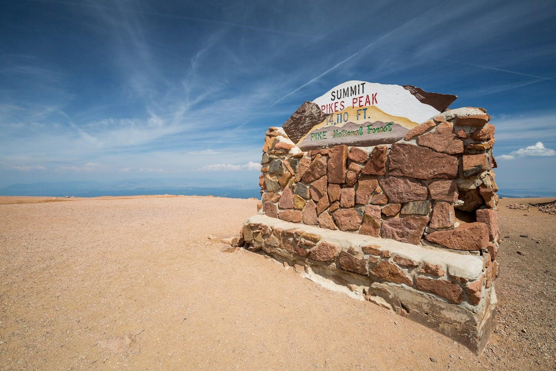 pikes peak summit sign
