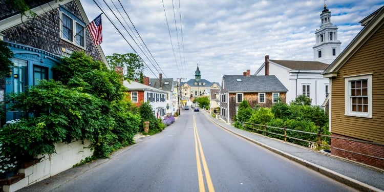 road through cape cod