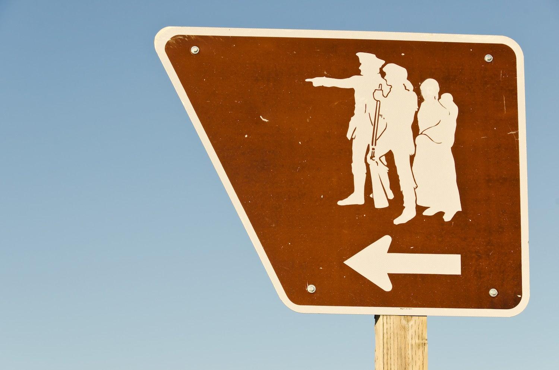 sign designating the lewis & clark trail