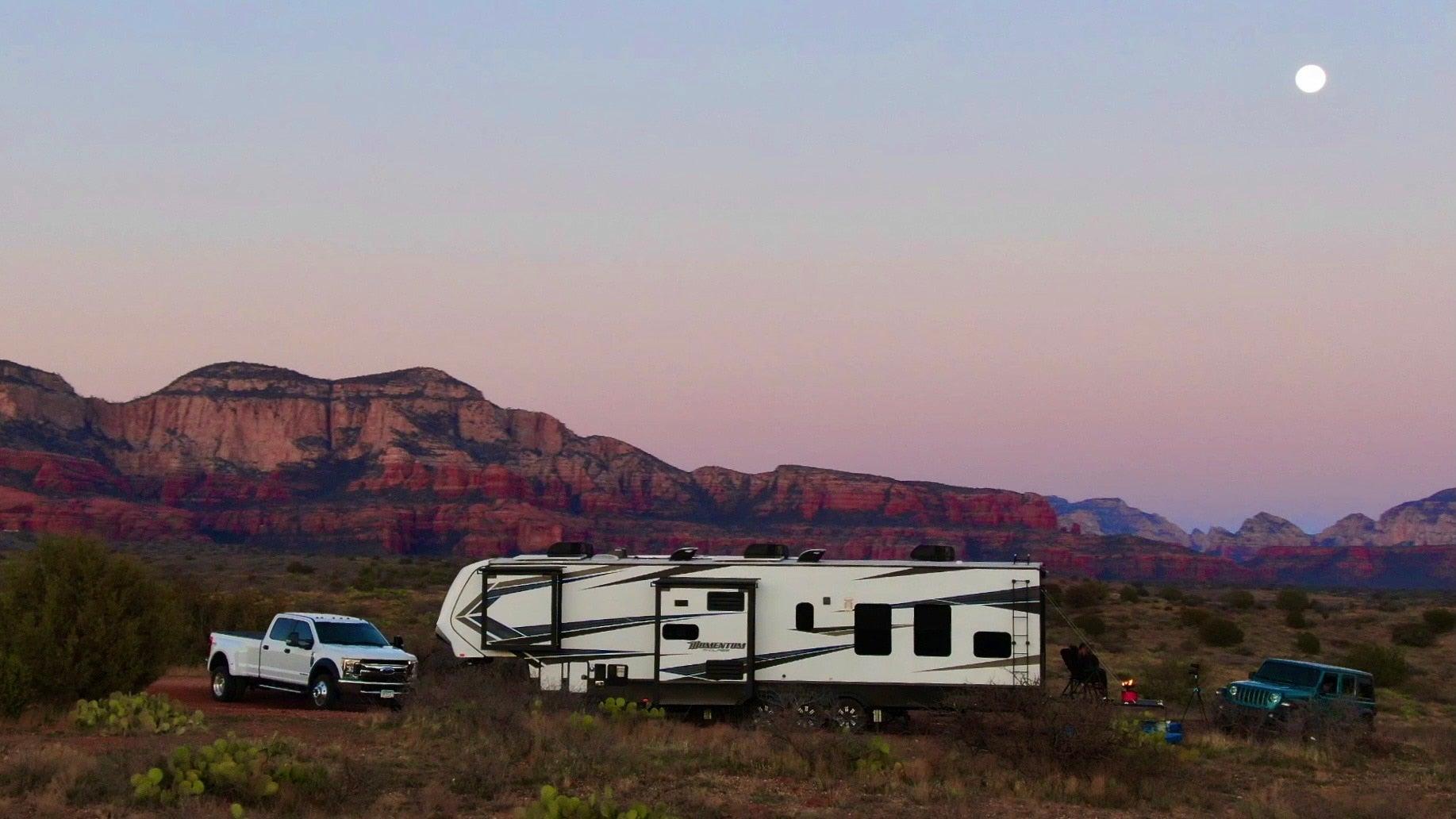 Enjoythejourney.life Tom and Cheri's RV parked boondocking in the desert.