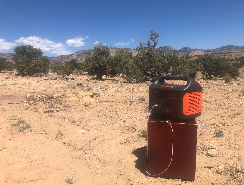 jackery explorer sitting in desert