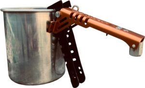 pot holder attached to pot