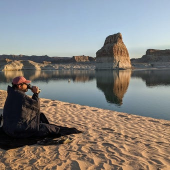 Heat Up Your Outdoor Adventures with the Cozee Blanket