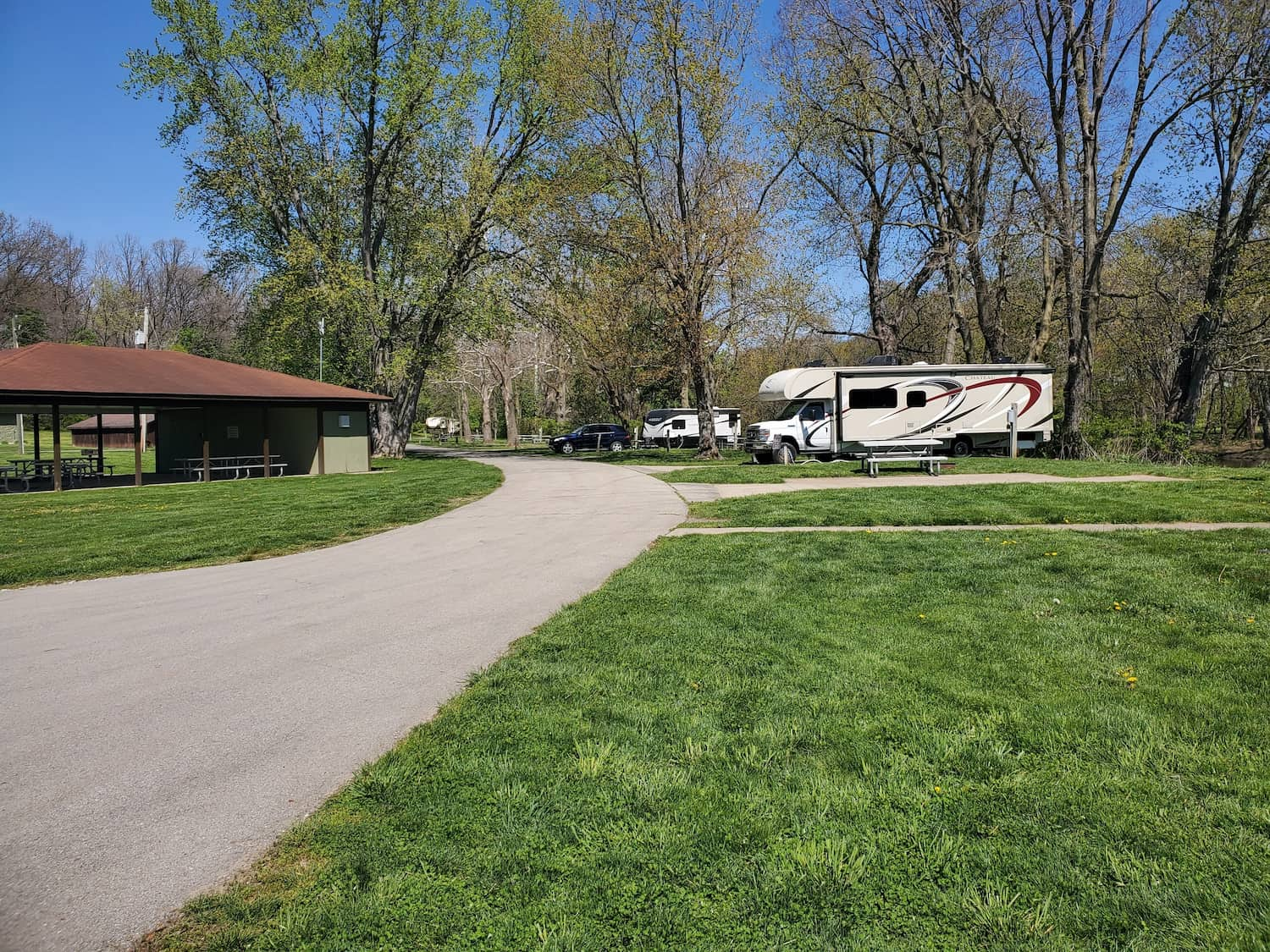 rvs parked at campground